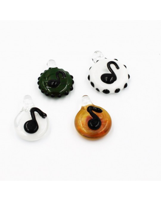 KC MUSIC NOTE PENDANT WITH BACKGROUND